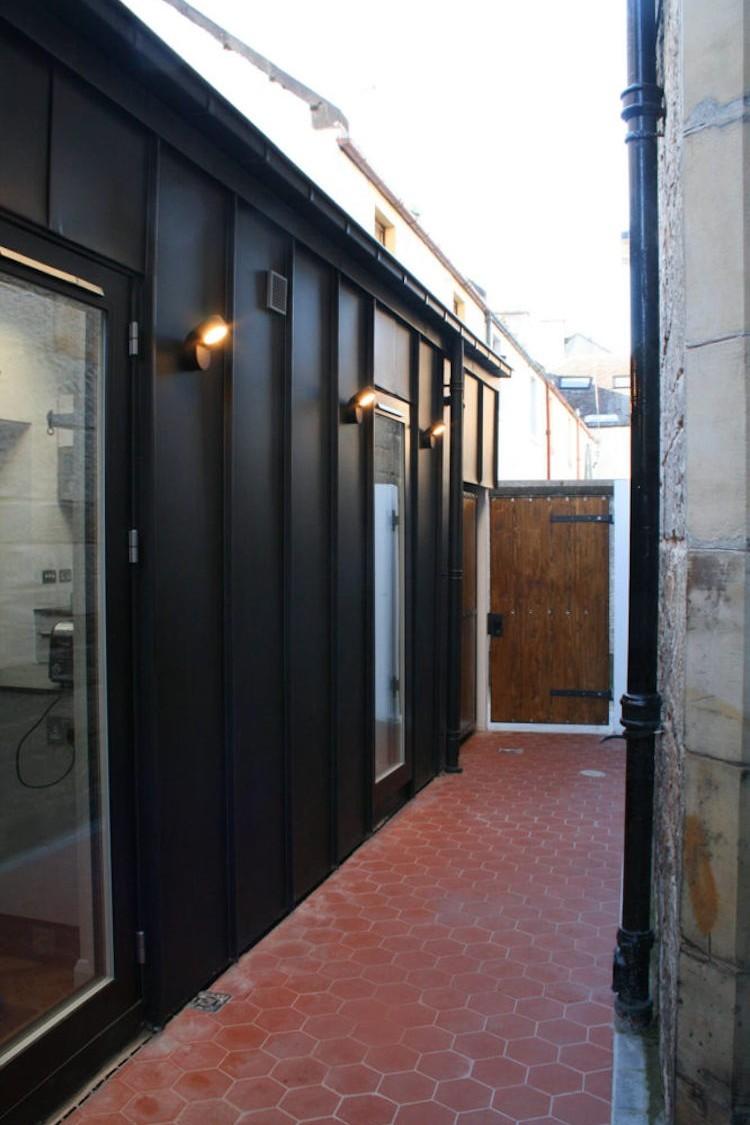 Outside corridor newhaven design